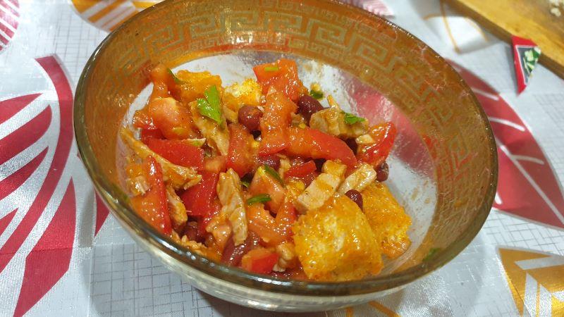 вкусный салат с отварным мясом