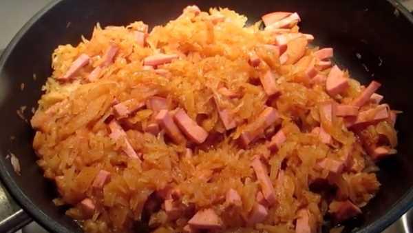 Как быстро сделать легкое, горячее блюдо из пек капусточки без моркови